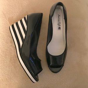 NWOT • American Eagle Wedge Sandals • Size 8.5